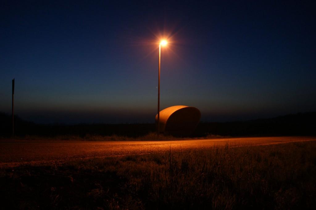 Bus stop om natten